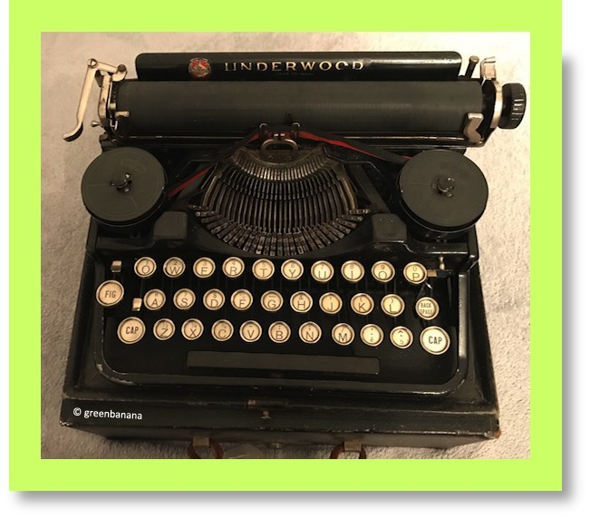 Underwood-Standard-Portable-typewriter
